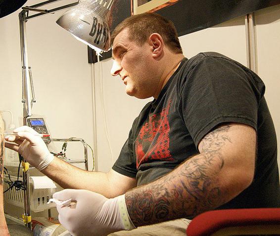 сделать татуировку в Москве